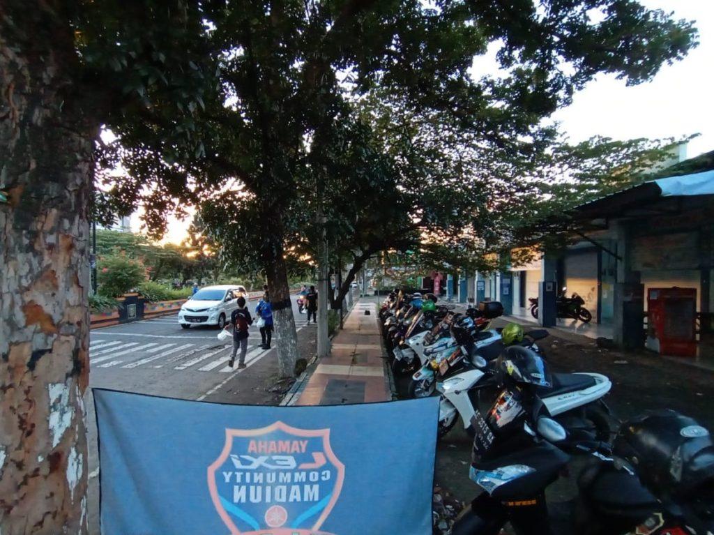 Komunitas motor lexi berbagi berkah ramadhan