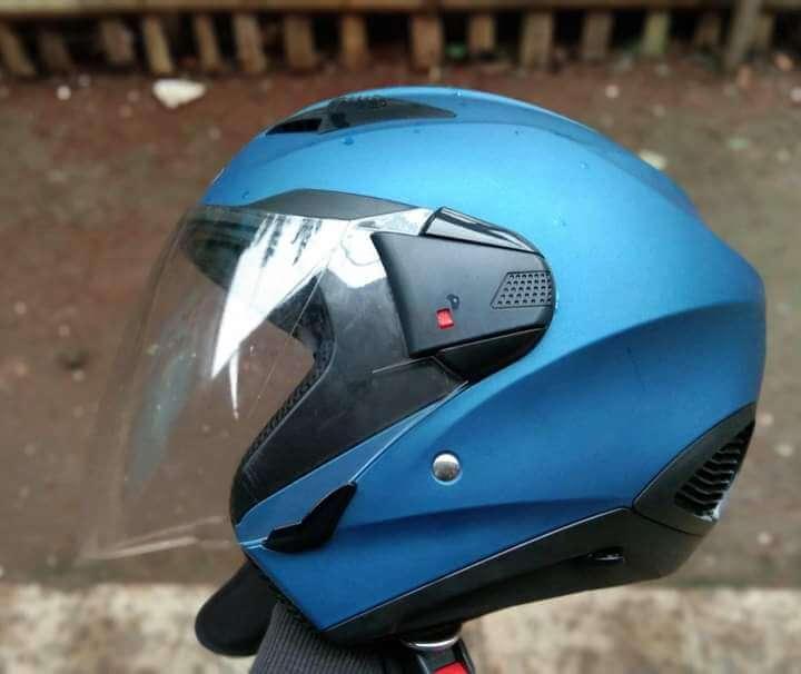 Helm Zeus 611